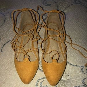 Old navy size 9 strap up flats